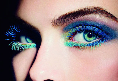 blue-and-green-mascara